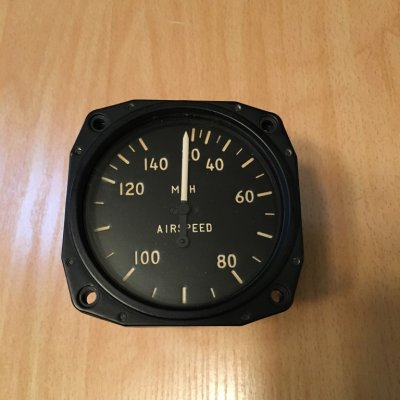 AIRSPEED INDICATOR 0-140 MPH
